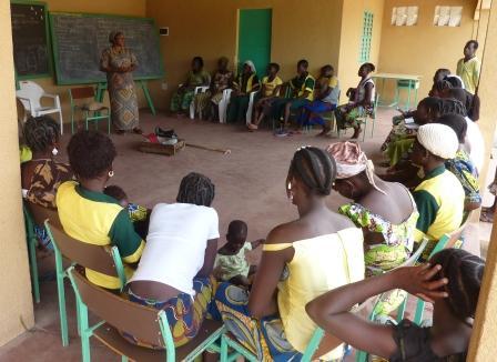 POR ELLAS: Formación de Mujeres en Sirarou