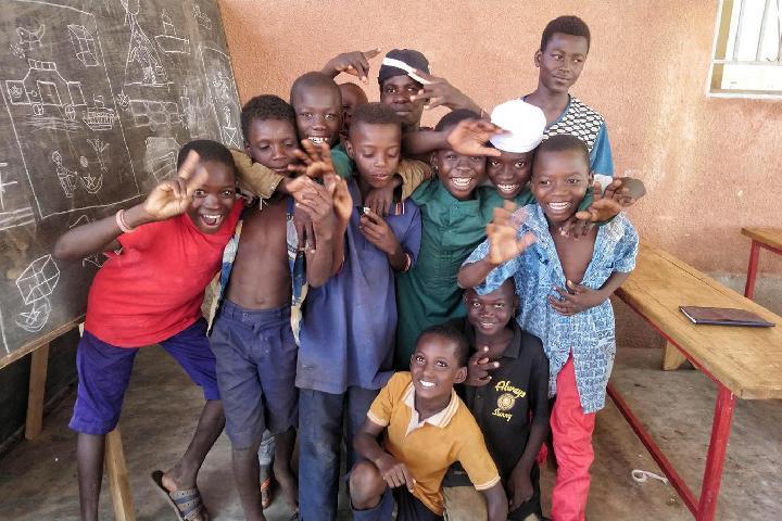 NouSol ONG. ALIMENTACIÓN para niños en situación de calle de Burkina Faso