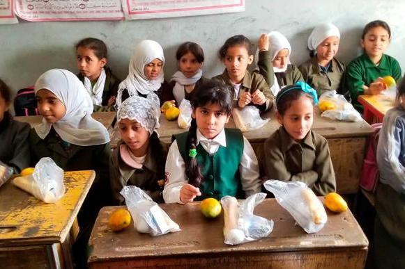 Solidarios sin Fronteras. Desayunos para educar y proteger en Yemen.