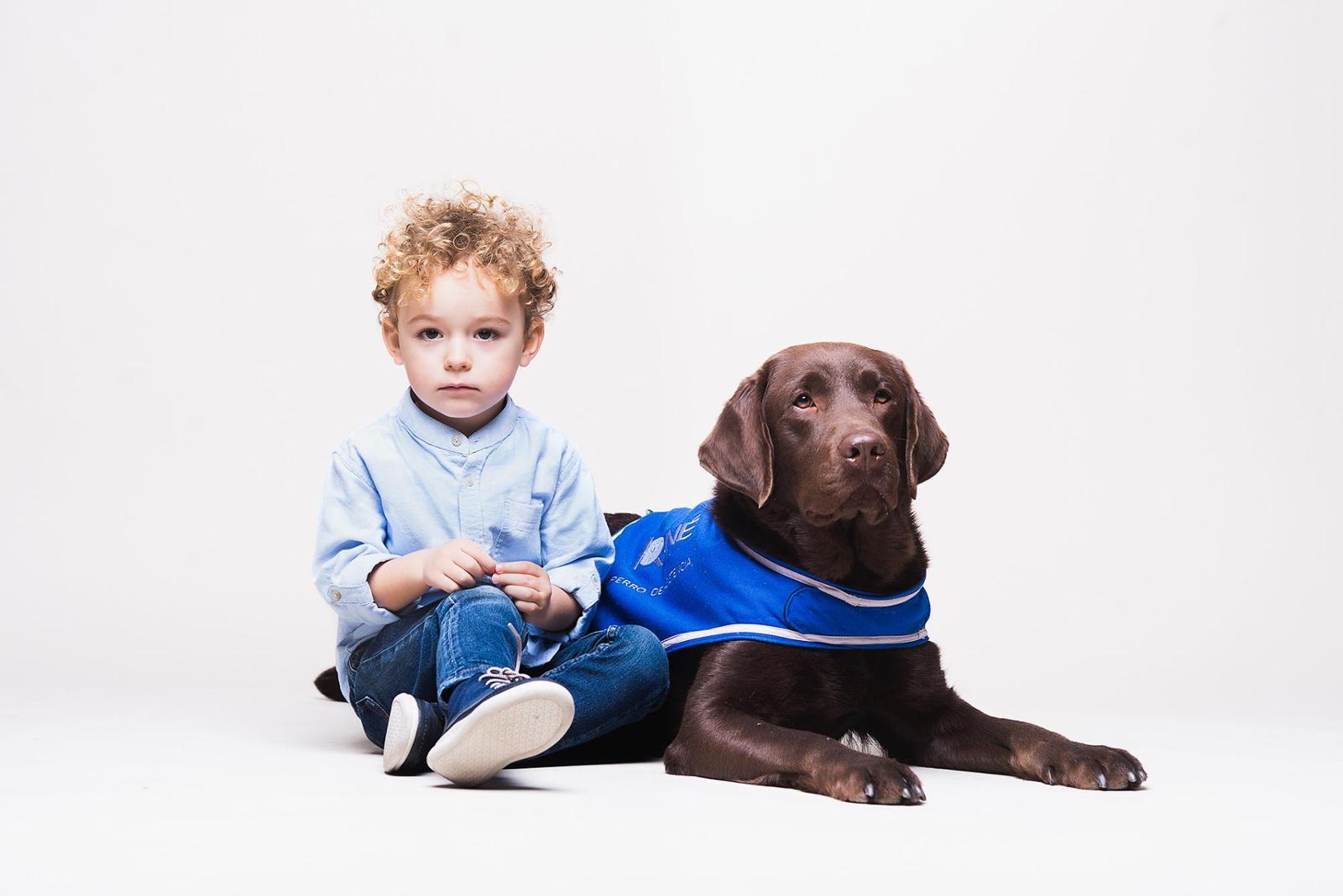 Kuné, Perros de Ayuda Social