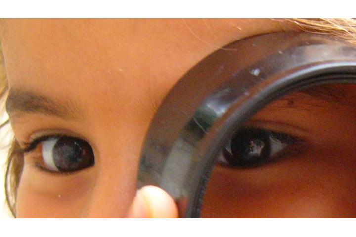 SUPPORT FOR DAMAGED CHILDREN: CHIQUILLOS Y EN EL CAMPO FOUNDATION