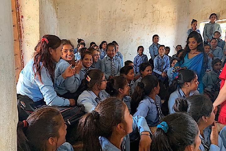 Copes Menstruals per les joves del Nepal - be artsy NGO