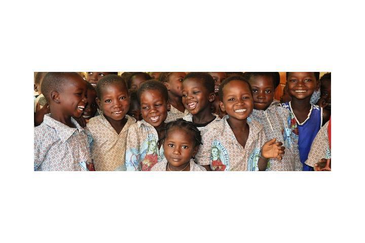 Grupo Galilea Puig C.S.A. - Llevamos salud a niños en Senegal