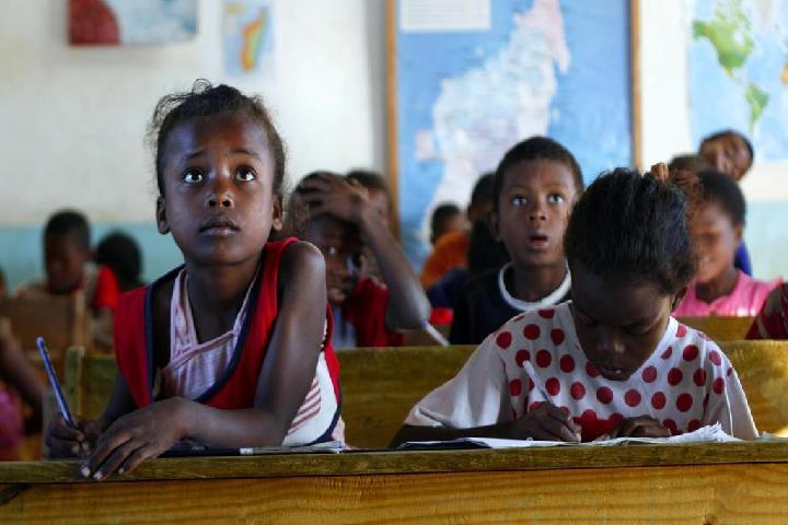 Fundación Agua de Coco, Educación