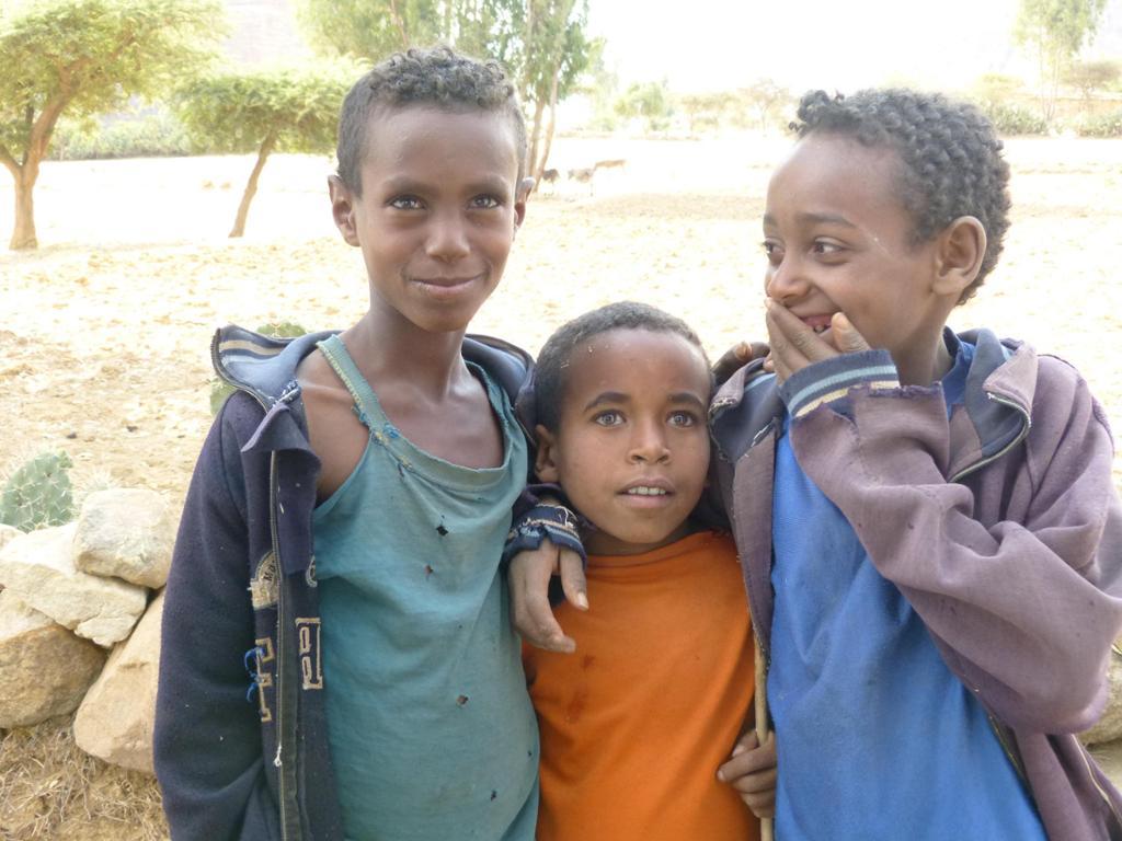 Apoyo escolar y familiar a niños vulnerables en Etiopia