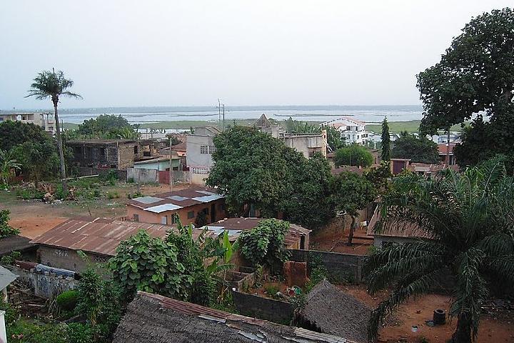 ¿QUIERES FORMAR PARTE DE LA CONSTRUCCIÓN DE UN ORFANATO EN BENIN?